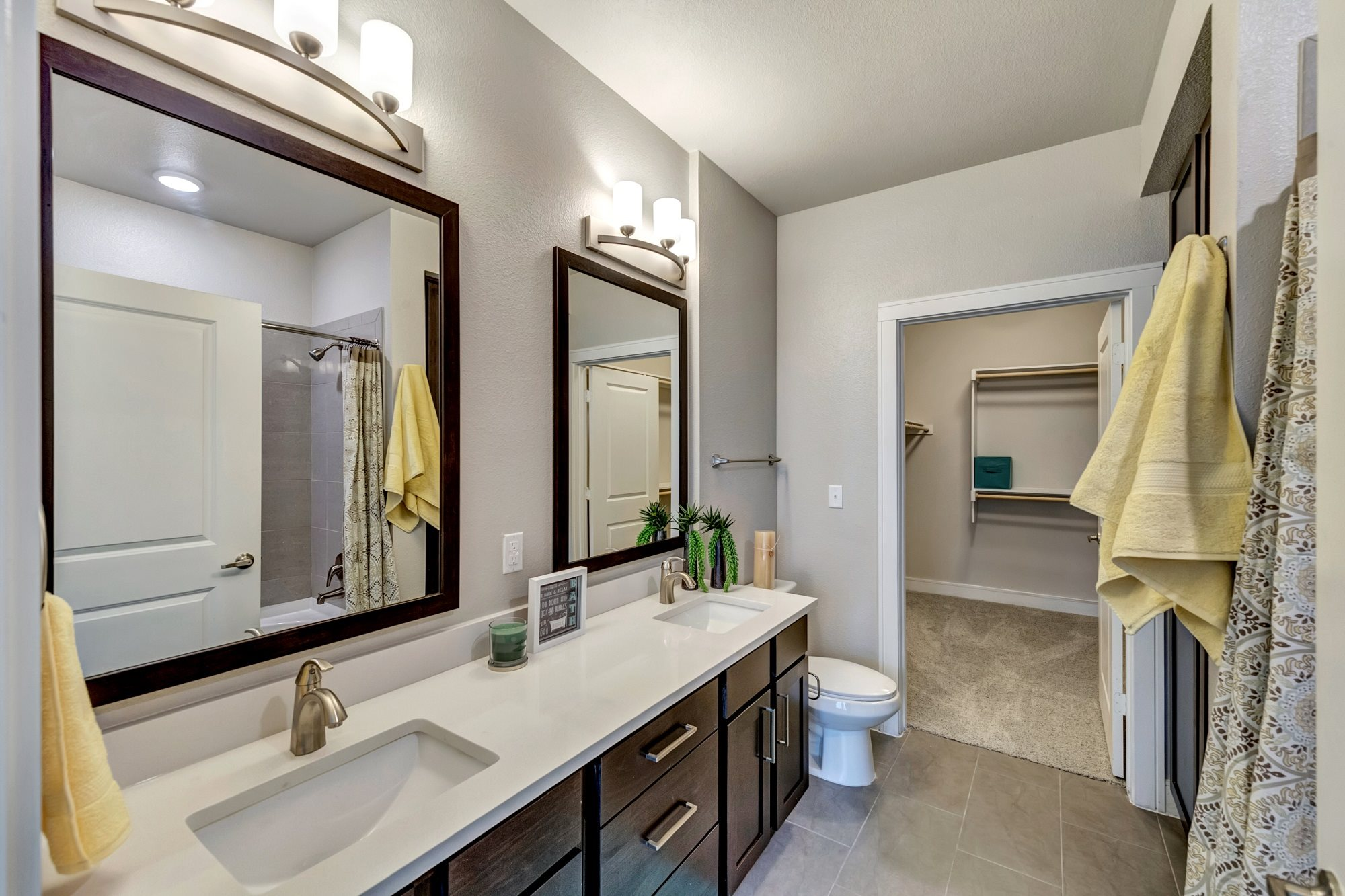 Dolce Living Home Town  North Richland Hills Apartments  Bathroom (1)