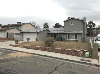 2817 Artic St 4 Beds House for Rent Photo Gallery 1