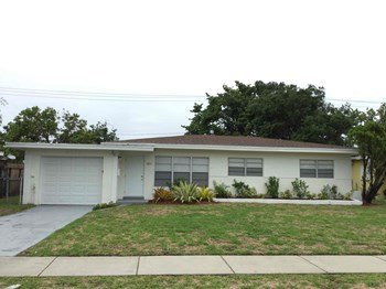 3271 Auburn Blvd 3 Beds House for Rent Photo Gallery 1