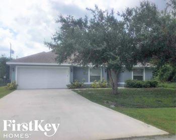 3602 SW Vincennes St 4 Beds House for Rent Photo Gallery 1