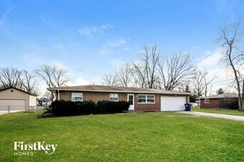 8 Oak Dr 3 Beds House for Rent Photo Gallery 1