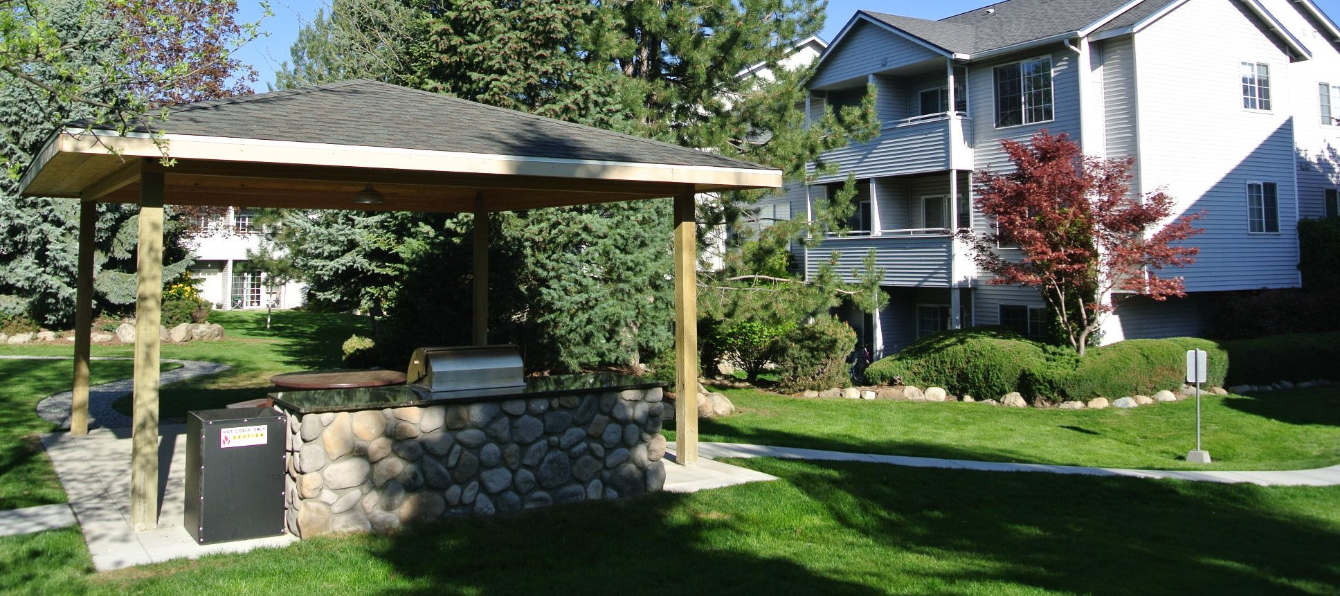 Revere Ridge Apartments_Spokane Valley WA_Community Picnic Area