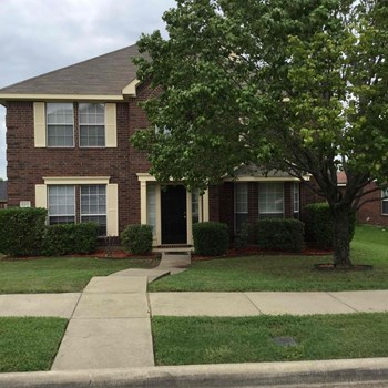 2211 Elm Falls Pl 4 Beds House for Rent Photo Gallery 1