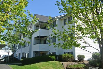 210 S Farr Rd 1-2 Beds Apartment for Rent Photo Gallery 1