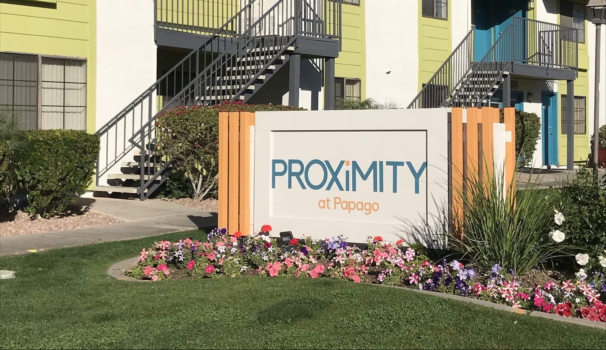 Proximity at Papago Apartment_Phoenix AZ_Sign