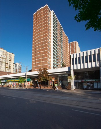 140 Carlton St. 1-2 Beds Apartment for Rent Photo Gallery 1