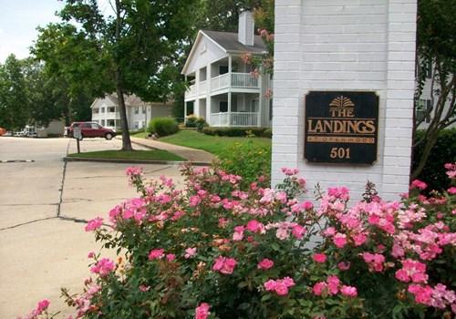 The Landings Apartments Community Thumbnail 1