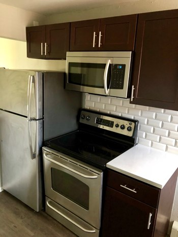 2216 Dayton St 1-2 Beds Apartment for Rent Photo Gallery 1