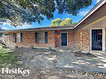204 E Lanett Dr 3 Beds House for Rent Photo Gallery 1