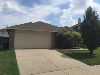6417 MEADOW WAY Ln 3 Beds House for Rent Photo Gallery 1