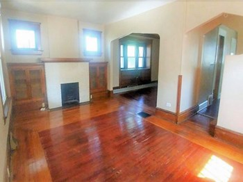 949 W. Exchange St. 3 Beds Apartment for Rent Photo Gallery 1