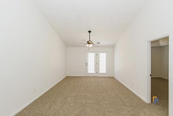 1414 Kingsman Drive 2-3 Beds Apartment for Rent Photo Gallery 1