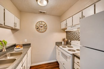 2727 W Walnut Hill Ln 1 Bed Apartment for Rent Photo Gallery 1
