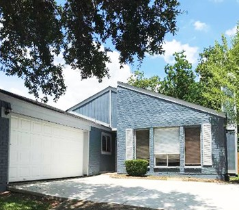 6418 Ivyknoll Dr 3 Beds House for Rent Photo Gallery 1