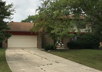 22510 Latonia Ln 4 Beds House for Rent Photo Gallery 1