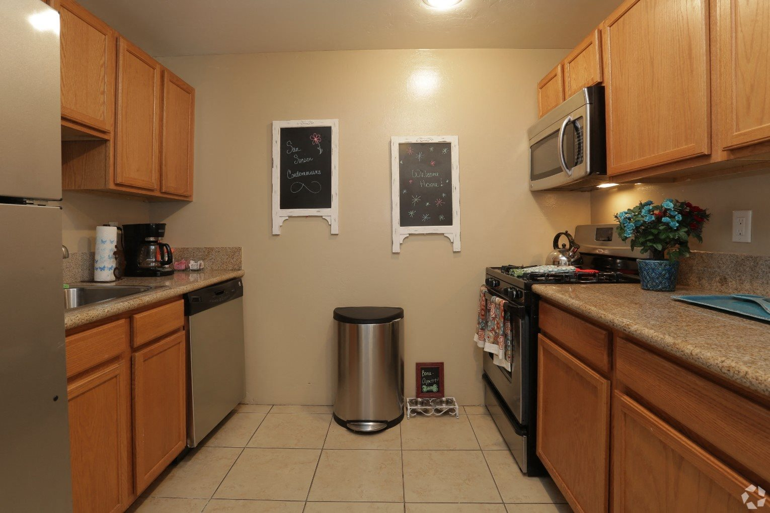 kitchen at San Simeon Apartments in Tucson AZ