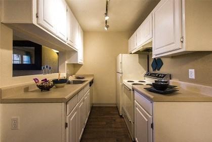 Kitchen at Zona Rio Apartments in Tucson, AZ