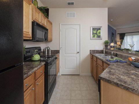Heritage on Millenia Apartments in Orlando, FL Fully Equipped Kitchen