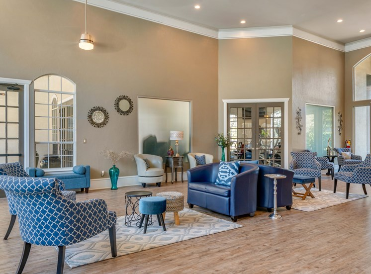 The Summit at Metrowest | Community Clubhouse