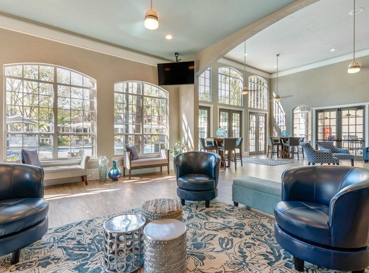 The Summit at Metrowest | Resident Tech Lounge with Wi-Fi Access