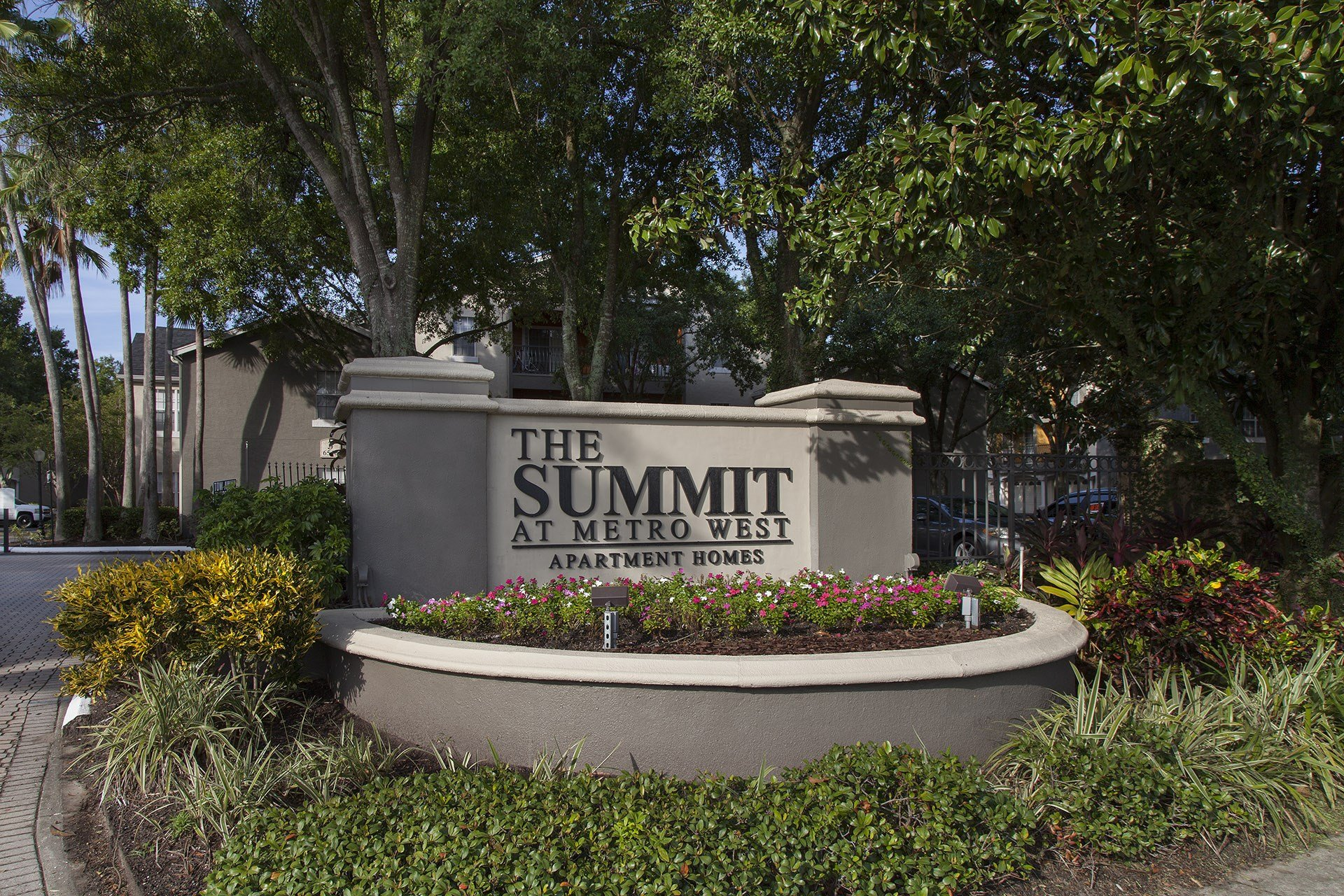 The Summit at Metrowest   Entrance