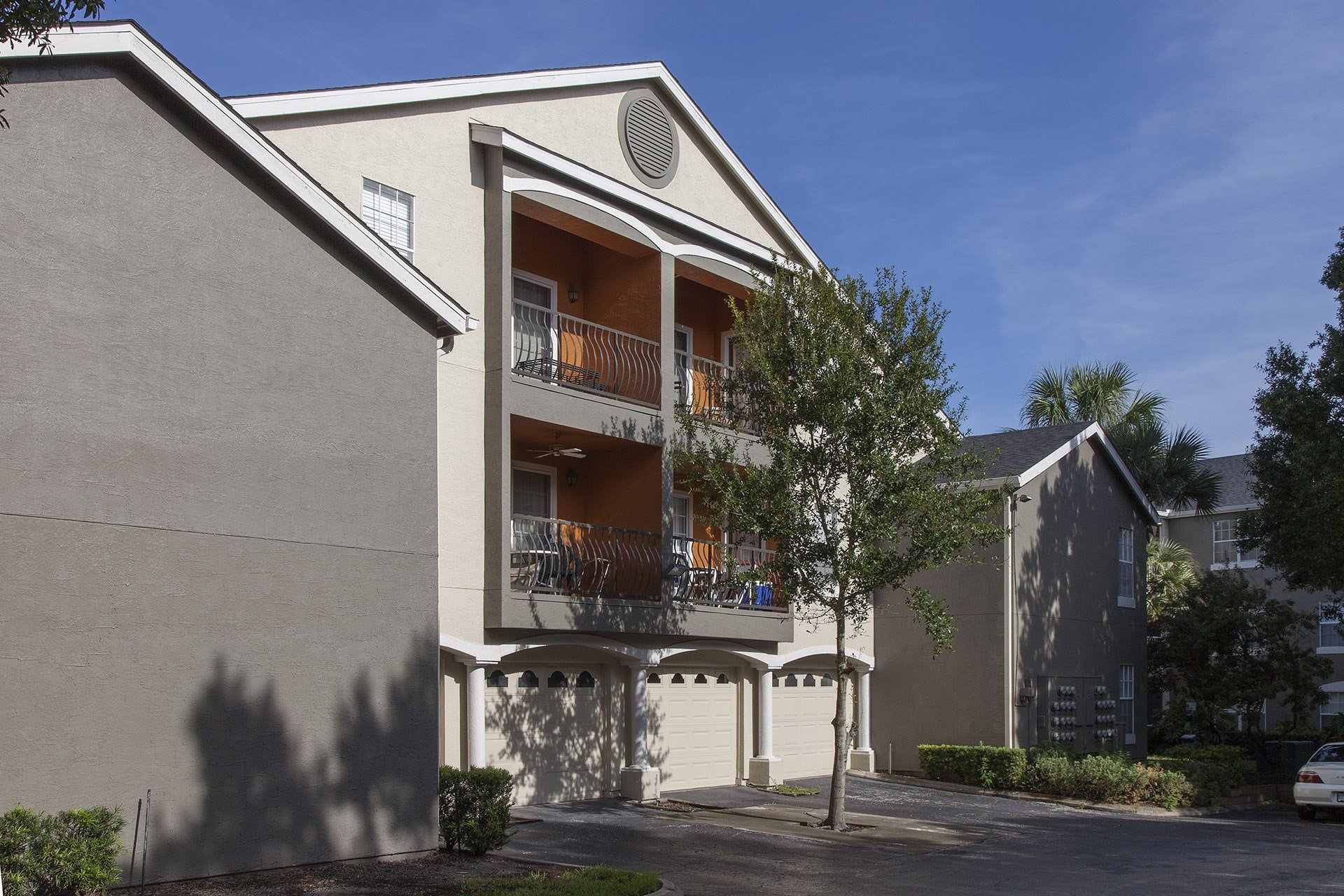 The Summit at Metrowest   Detached, In-building Garages Available