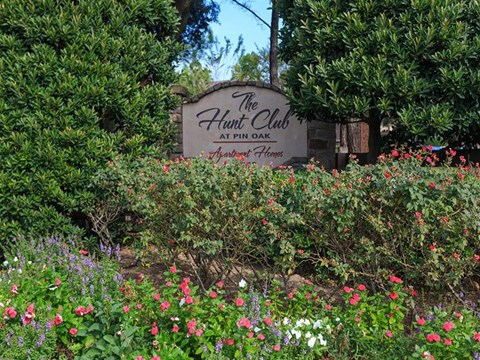 The Hunt Club at Pin Oak Apartments Katy, TX Front Entrance Sign