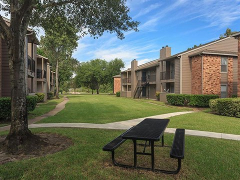 The Hunt Club at Pin Oak Apartments Katy, TX Picnic Area