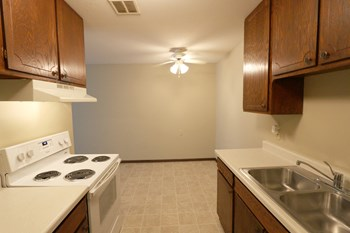 1456 Magnolia Ave E 1-3 Beds Apartment for Rent Photo Gallery 1