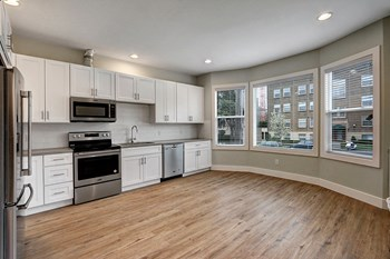 1425 E Union St 1 Bed Apartment for Rent Photo Gallery 1