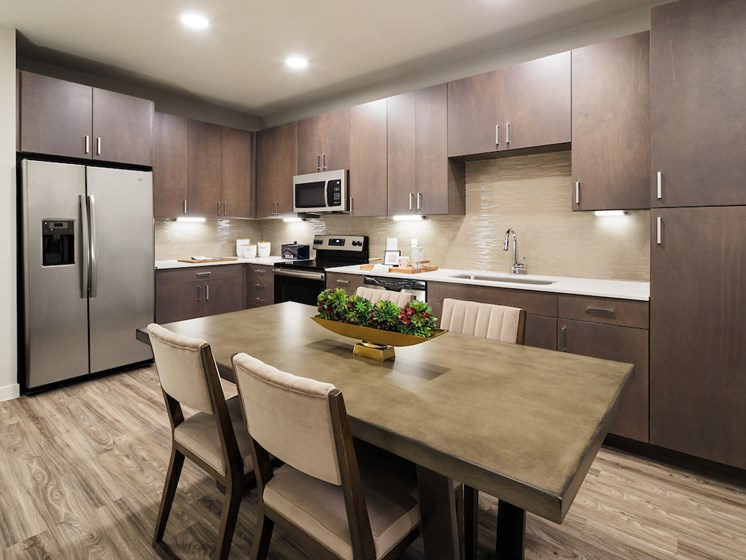 Fully Equipped Kitchen at The Flats at 901, Texas, 76039