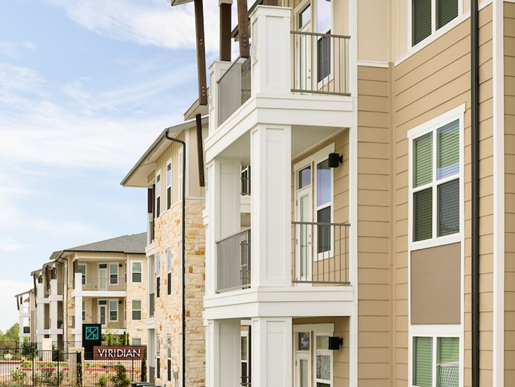 Apartment Homes Available at Viridian, San Antonio, Texas