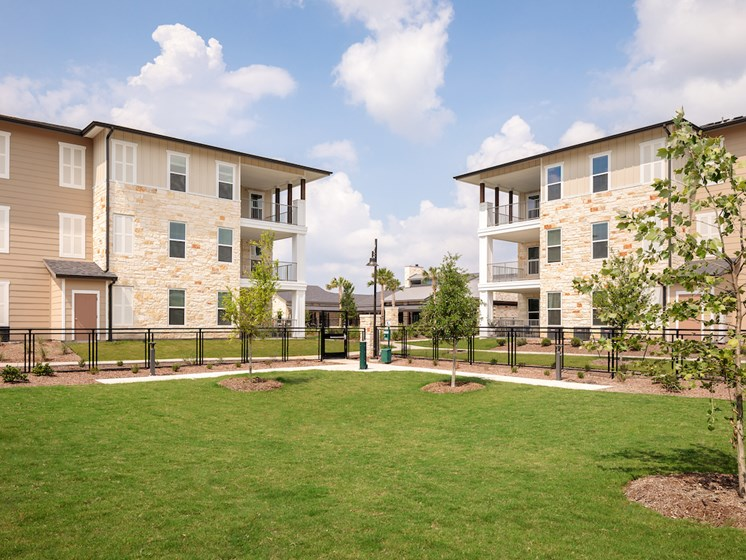 Courtyard With Green Space at Viridian, San Antonio