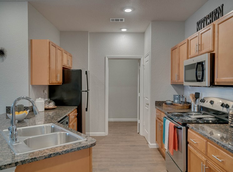 WaterVue at Longwood Apartments for rent in Longwood, FL. Make this community your new home or visit other Concord Rents communities at ConcordRents.com. Kitchen