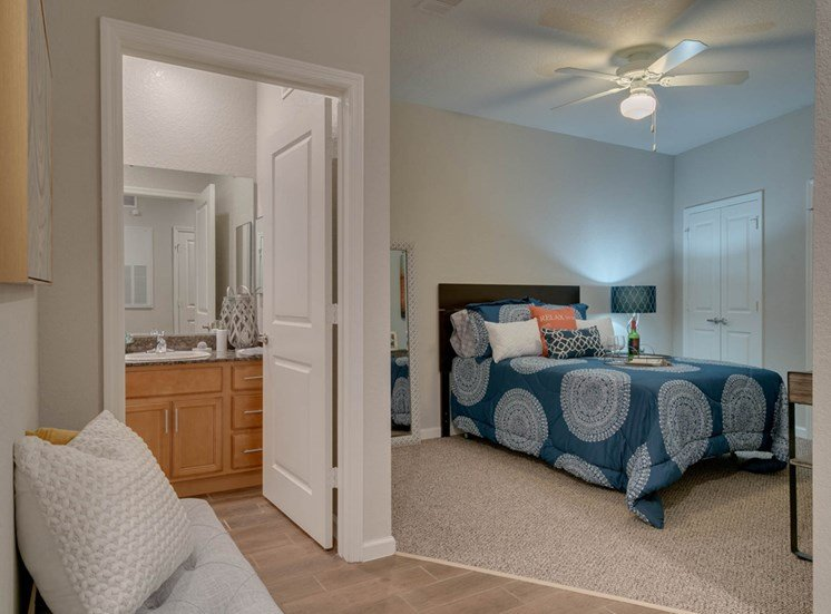 WaterVue at Longwood Apartments for rent in Longwood, FL. Make this community your new home or visit other Concord Rents communities at ConcordRents.com. Lake view single suite bedroom