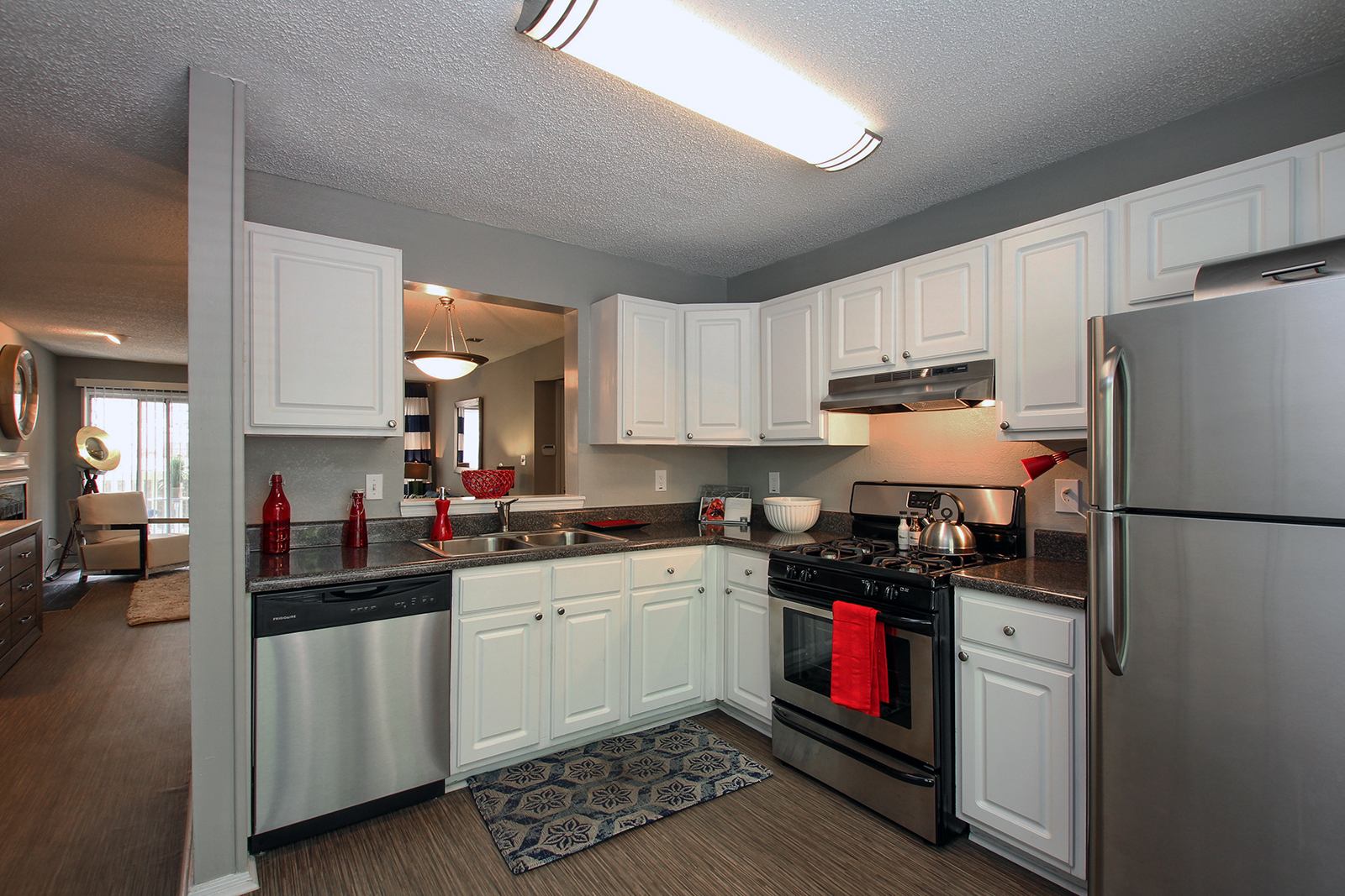 7889 Roswell Rd 1 2 Beds Apartment For Rent Photo Gallery 1