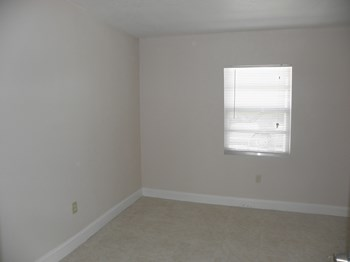 1035 22nd Street 2 Beds House for Rent Photo Gallery 1