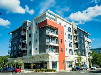800 New Hampshire St 1 Bed Apartment for Rent Photo Gallery 1