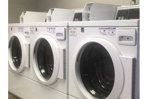 Chesterfield apartments in Birmingham, AL 35205 laundry facility on-site
