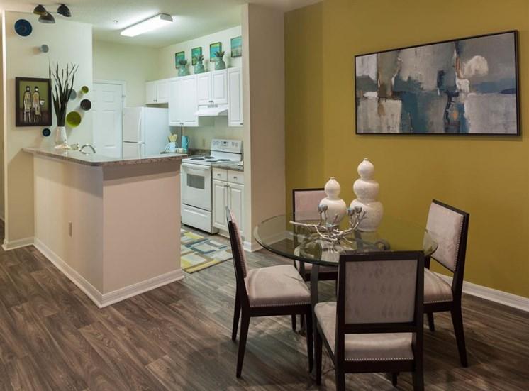 Dining area at Arbor Walk Apartments in Tampa, FL