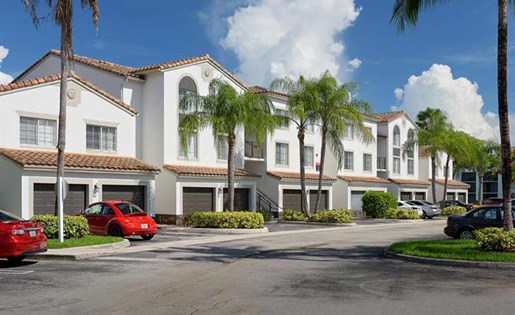 Remodeled exteriors at Doral West Apartments