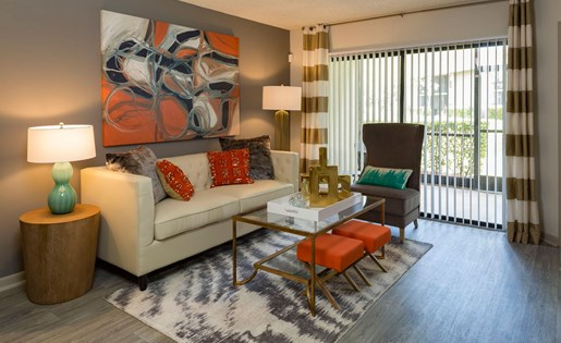 Living rooms at Siena Apartments in Plantation FL