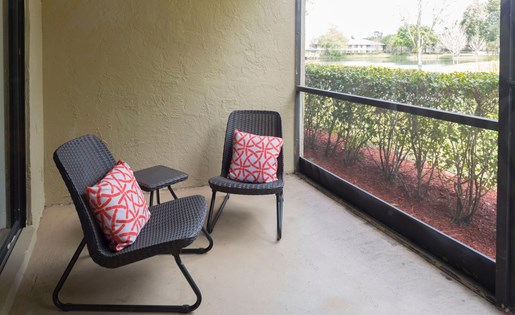 Screened porch at Siena Apartments in Plantation FL