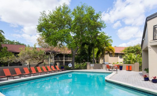 Swimming pool and deck at Siena Apartments in Plantation FL