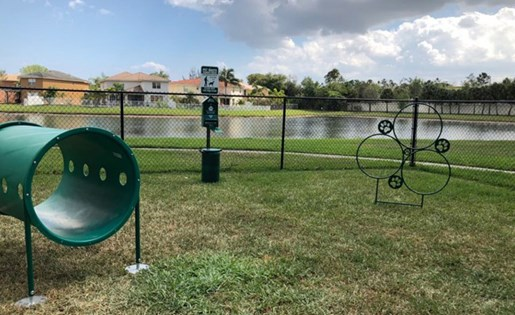 Dog park at Vista Lago Apartments in West Palm Beach FL