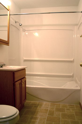 1627-1643 Elmwood Ave 2 Beds Apartment for Rent Photo Gallery 1