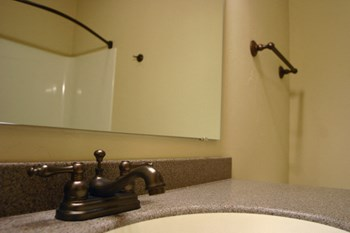 495 Pearl Ave 1-3 Beds Apartment for Rent Photo Gallery 1