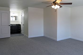 500 N. 10th Street Studio-2 Beds Apartment for Rent Photo Gallery 1