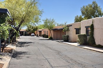 1444 East Adelaide Drive 2 Beds Apartment for Rent Photo Gallery 1