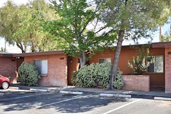 2914 North Mountain Avenue 2 Beds Apartment for Rent Photo Gallery 1